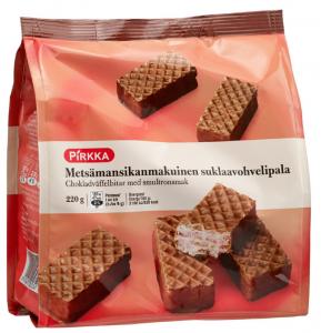 Вафли с клубничной начинкой в шоколаде Pirkka metsämansikanmakuinen suklaavohvelipala 220гр